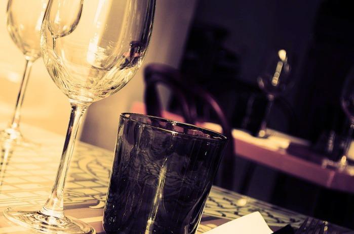 des verres en cristal l 39 id al pour recevoir. Black Bedroom Furniture Sets. Home Design Ideas