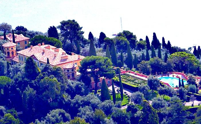 La villa Leopolda, magnifique à en couper le souffle.